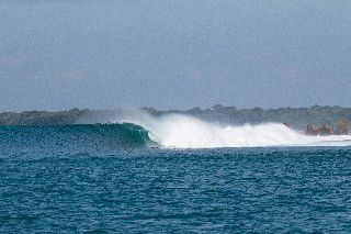 bali big surf