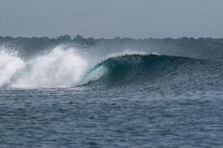 bali surf clean barrell
