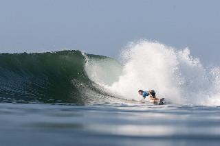 surf hard turn
