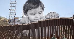 border wall Mexico usa trump dumb as
